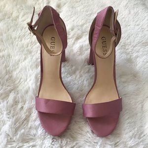 PINK GUESS HEELS SIZE 10